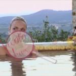 gabriele e laura in piscina